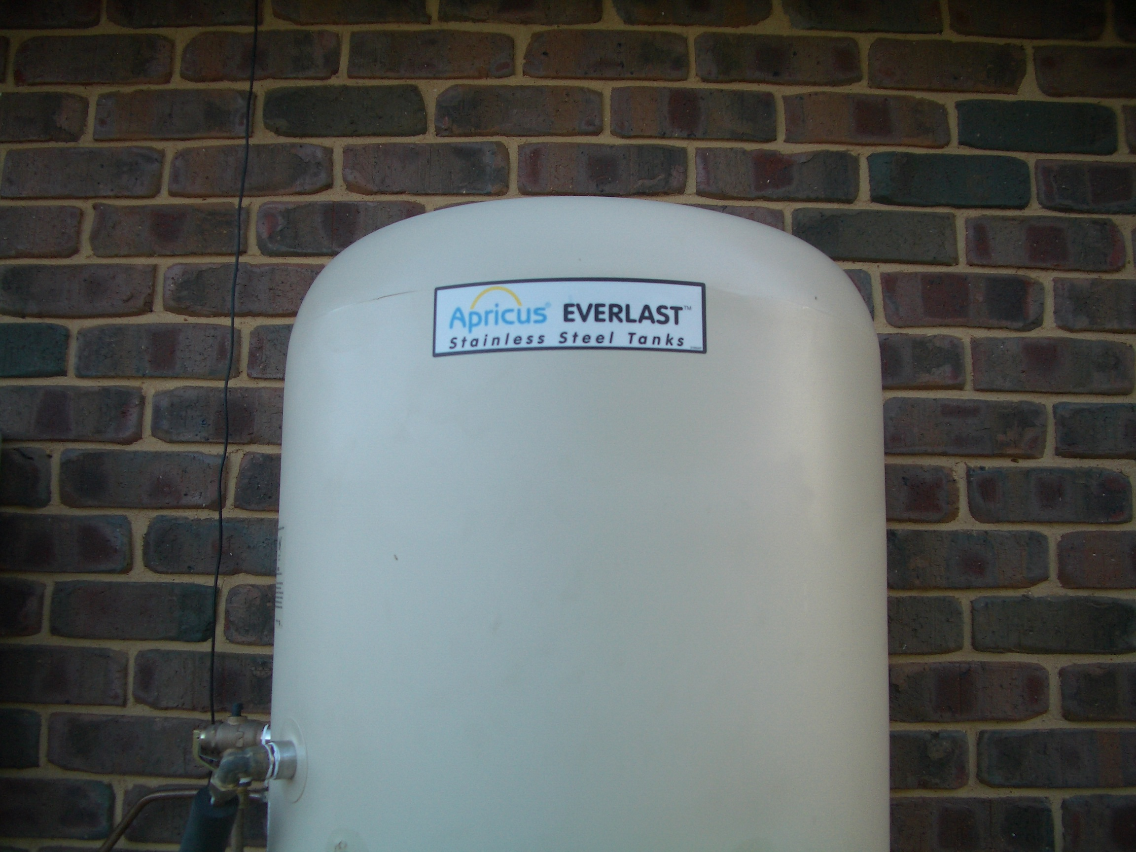 Apricus Evacuated Tube Solar Hot Water System - Post Install Review ...